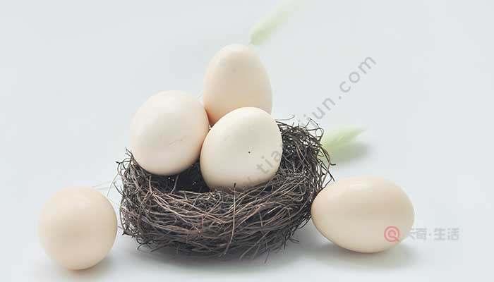 新鸡蛋怎么剥皮不烂